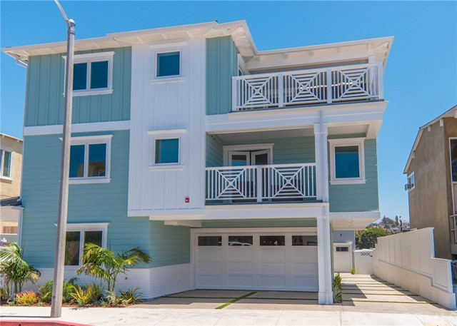 704 Loma Drive  Hermosa Beach CA 90254