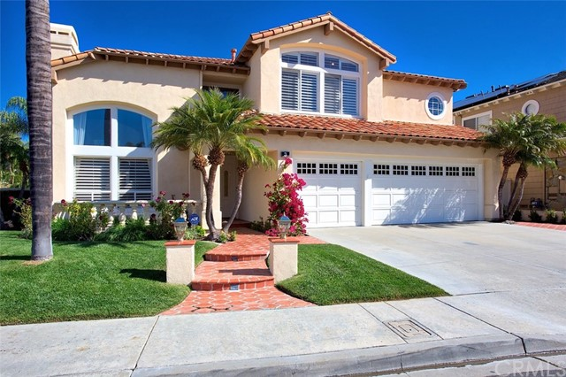3 Seacliff , CA 92679 is listed for sale as MLS Listing OC18092976