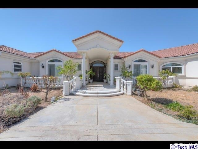 Single Family Home for Sale at 16540 Sultus Street Canyon Country, California 91387 United States