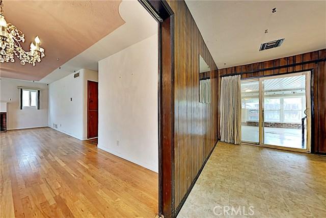 1405 S Nevada Avenue, Los Banos CA: http://media.crmls.org/medias/4dcbc9d2-d4f9-4cf5-8f2c-c86db8cb6206.jpg