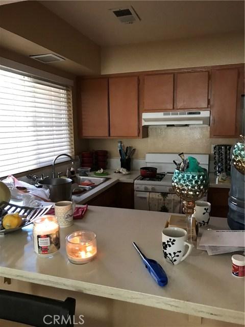 13335 Cavandish Lane, Moreno Valley CA: http://media.crmls.org/medias/4dcee238-1e3b-402c-b027-02ed9761065f.jpg
