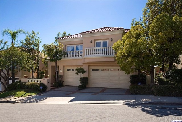 Single Family Home for Sale at 995 Calle Canta Glendale, California 91208 United States
