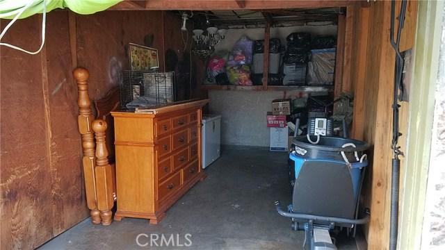 3205 Seminole Avenue, South Gate CA: http://media.crmls.org/medias/4de75725-73d4-48d2-bc8a-3dc2aa4591d0.jpg