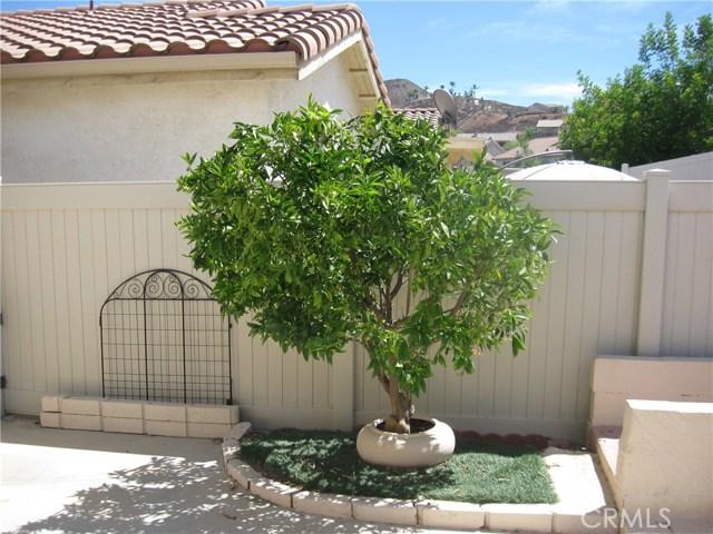 27705 Calle Rabano, Menifee CA: http://media.crmls.org/medias/4de7893d-171e-4475-984a-d28e6a18b052.jpg