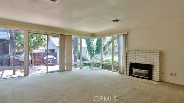 823 Glendenning Way, San Bernardino CA: http://media.crmls.org/medias/4dfa45ca-7927-4d48-87d8-95e3af3c250e.jpg