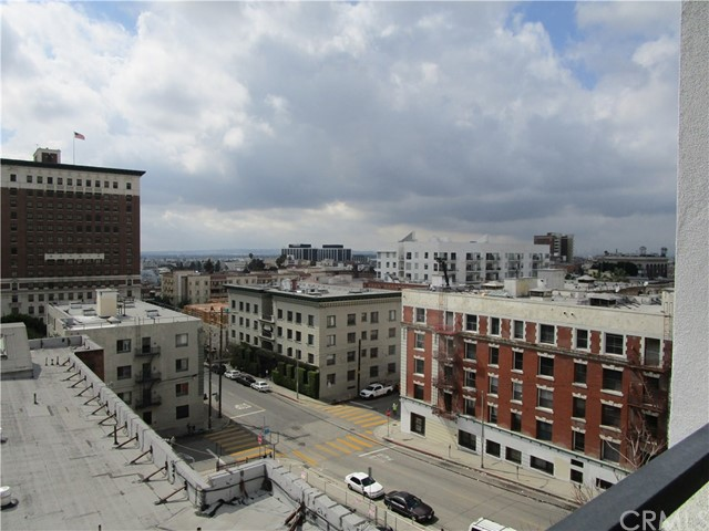 1234 Wilshire Boulevard, Los Angeles CA: http://media.crmls.org/medias/4dfe3c5a-a7e0-432a-9103-8e82f5a1a1a4.jpg
