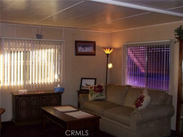 441 SANTA CLARA CIRCLE, HEMET, CA 92543  Photo 5
