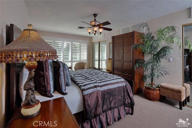 71443 Country Club Drive, Rancho Mirage CA: http://media.crmls.org/medias/4e230648-d178-446e-a08b-c0348e645e2c.jpg
