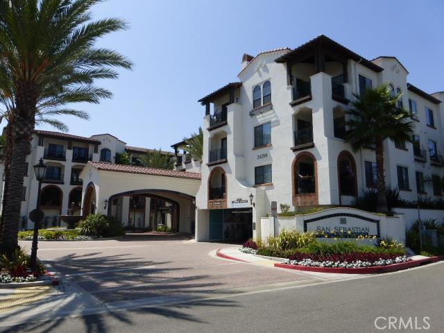 Condominium for Rent at 24299 Paseo De Valencia Laguna Woods, California 92637 United States