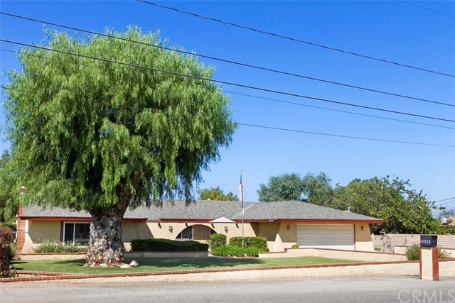16275 Porter Avenue, Riverside CA: http://media.crmls.org/medias/4e56dd12-86d1-4bba-b5a0-d02d970d4fd6.jpg