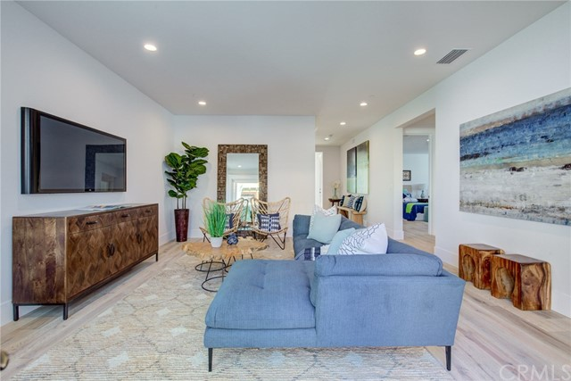 1037 2nd St, Hermosa Beach, CA 90254 photo 10