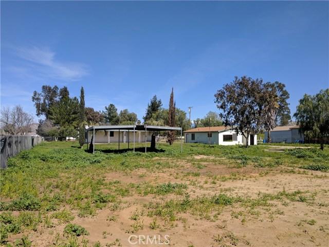28087 Mountain Avenue, Menifee CA: http://media.crmls.org/medias/4e63b7f2-1a43-4023-85c6-571914c6e1c2.jpg