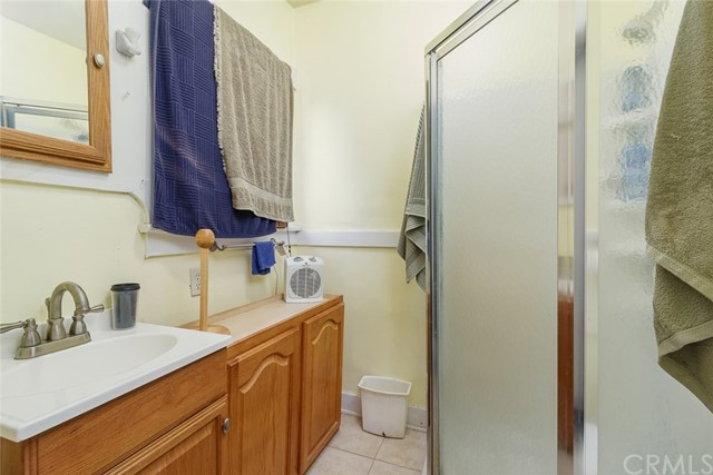 20609 Alburtis Avenue, Lakewood CA: http://media.crmls.org/medias/4e66e622-cce8-4d31-858b-e017b9f8dde0.jpg