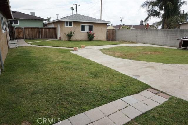 5481 Deodar Street, Montclair CA: http://media.crmls.org/medias/4e6e9cdb-c9ed-405f-bd46-01857d164606.jpg