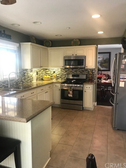 16769 Broadmoor Way Fontana, CA 92336 - MLS #: CV18130605