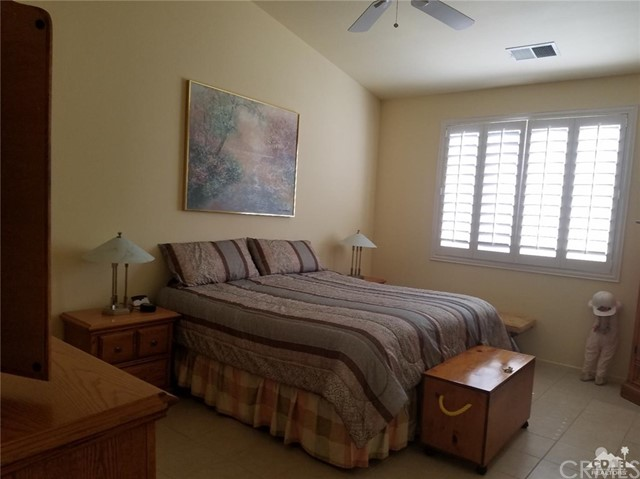 67551 Laguna Drive, Cathedral City CA: http://media.crmls.org/medias/4e799dca-0f47-4925-8320-369985d5456d.jpg