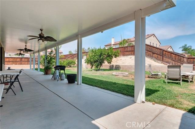 13828 Peyton Drive, Moreno Valley CA: http://media.crmls.org/medias/4e868a7d-960d-4f0d-a197-efa806a696ed.jpg