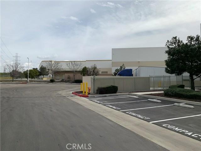 3230 Cornerstone Drive, Eastvale CA: http://media.crmls.org/medias/4e86be61-46d5-4da3-ad80-e676e0d915d0.jpg
