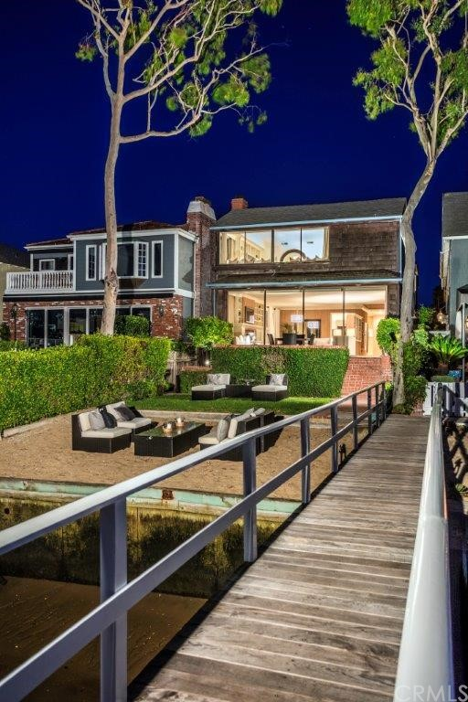 Single Family Home for Sale at 1909 East Bay St 1909 Bay Newport Beach, California 92661 United States