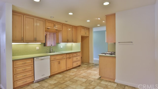 1421 W Apollo Av, Anaheim, CA 92802 Photo 11