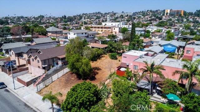 4033 E Cesar E Chavez Avenue, East Los Angeles CA: http://media.crmls.org/medias/4e9d7184-e92c-4257-b614-ebbbef9ff4d3.jpg