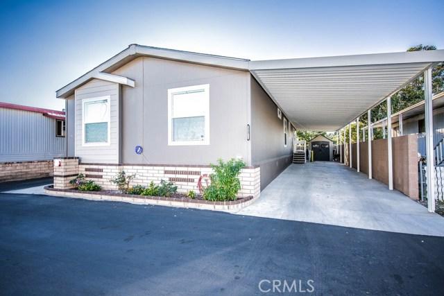 200 Grand, Anaheim CA: http://media.crmls.org/medias/4ea96d97-876e-4c85-a6c1-dd6c6957c00d.jpg