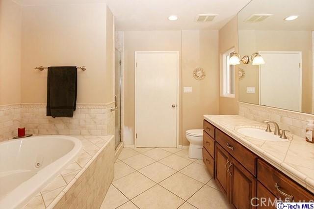 4334 acampo Avenue, Glendale CA: http://media.crmls.org/medias/4eb5d98a-cad7-4fdd-8ec0-cd1d30a31a4c.jpg