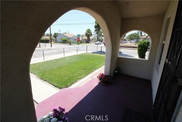 798 Bunker Hill Drive, San Bernardino CA: http://media.crmls.org/medias/4ece645d-0a5f-454d-a2ff-de6258adb787.jpg