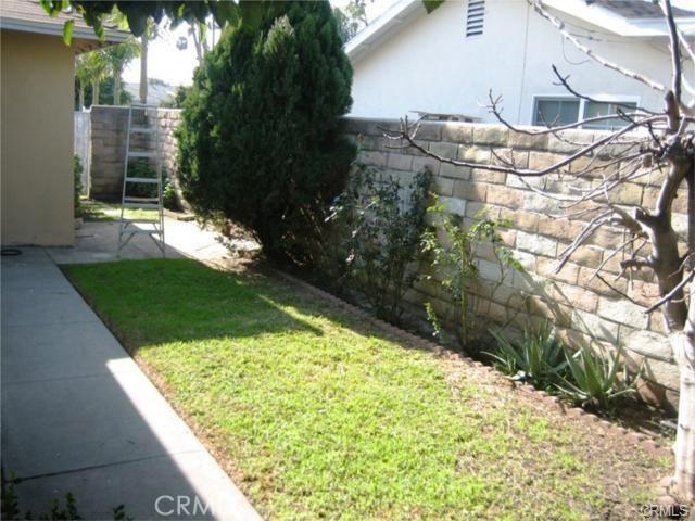 13687 Beckner Street, La Puente CA: http://media.crmls.org/medias/4ecf2c2d-f20c-465b-bf7f-2edf5fb02830.jpg