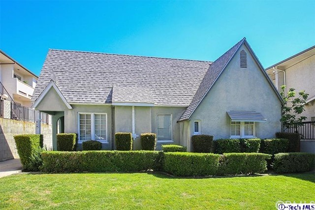 614 E Magnolia Boulev Burbank, CA 91501 is listed for sale as MLS Listing 317002518
