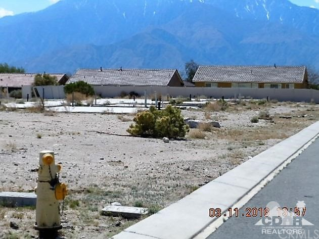 0 Bald Eagle Lane, Desert Hot Springs CA: http://media.crmls.org/medias/4ed7d17a-c214-4be6-8b56-036b8241b8fb.jpg