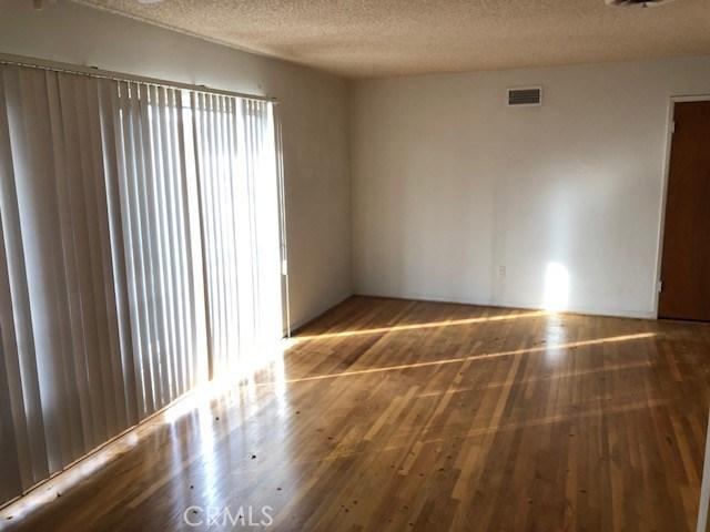 2837 Spruce Street,Rialto,CA 92376, USA