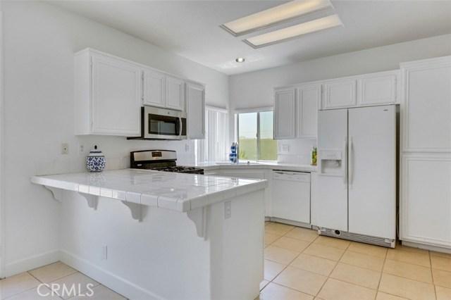 1598 Prestwick Drive, Riverside CA: http://media.crmls.org/medias/4edb417d-46ce-4071-a44e-0dfe8d6e8d2b.jpg