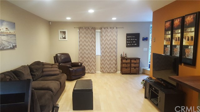 Townhouse for Sale at 2018 Pacific Beach Drive Pacific Beach, California 92109 United States