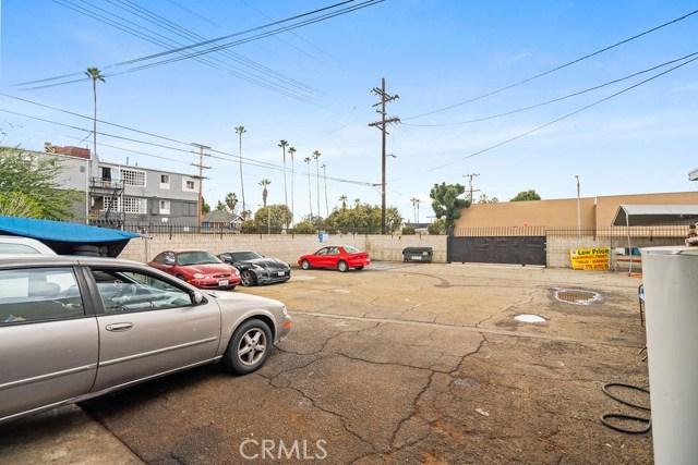 290 W Holt Avenue, Pomona CA: http://media.crmls.org/medias/4ee91bb8-5ccc-44ae-ad2a-51feff3bff6f.jpg