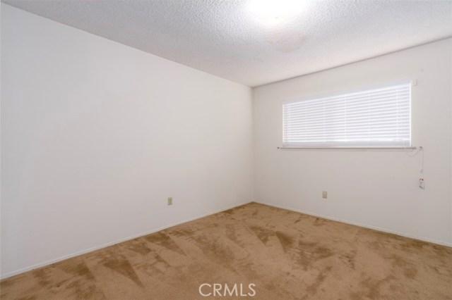 7533 Leucite Avenue, Rancho Cucamonga CA: http://media.crmls.org/medias/4ef68ffa-87db-4930-ae83-515e978c2766.jpg