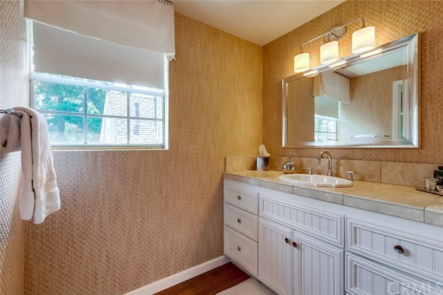 2709 Hillside Drive Unit 33 Newport Beach, CA 92660 - MLS #: NP18107416