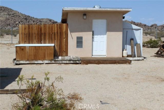 2055 Winfield Road, 29 Palms CA: http://media.crmls.org/medias/4f26a259-daf1-4e08-9b97-079f7dfb774f.jpg