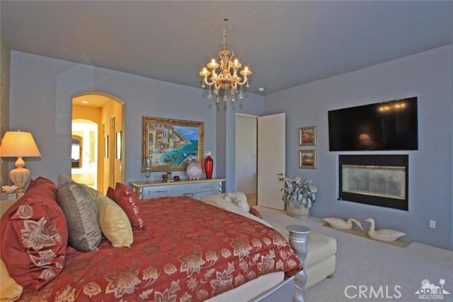 104 Loch Lomond Road, Rancho Mirage CA: http://media.crmls.org/medias/4f2a034f-3410-4bcd-9821-6f7365fdc2b6.jpg