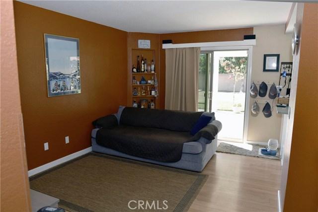 9379 Delfern Lane, Riverside CA: http://media.crmls.org/medias/4f2d5370-e4ef-4ef2-b8bc-abf63001d6bf.jpg