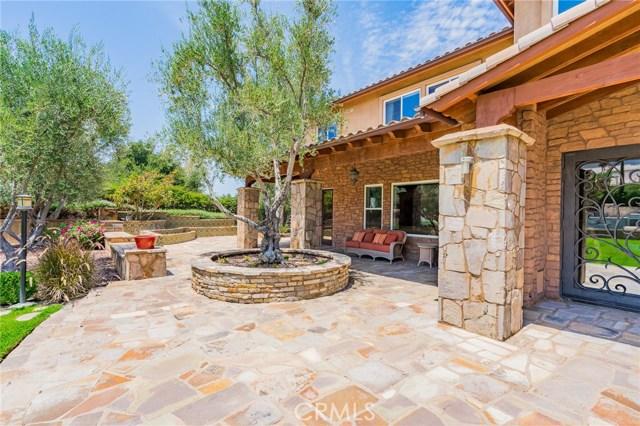 954 White Ranch Circle, Corona CA: http://media.crmls.org/medias/4f322702-020e-42e2-8189-ab2802a46f25.jpg