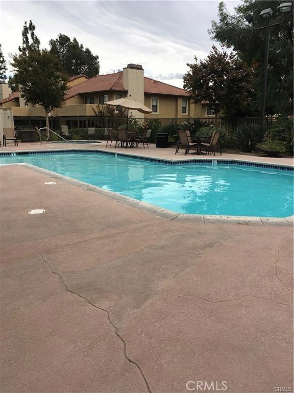 10151 Arrow, Rancho Cucamonga CA: http://media.crmls.org/medias/4f383cda-c0a6-4c68-a1d8-fad336cfbfbe.jpg