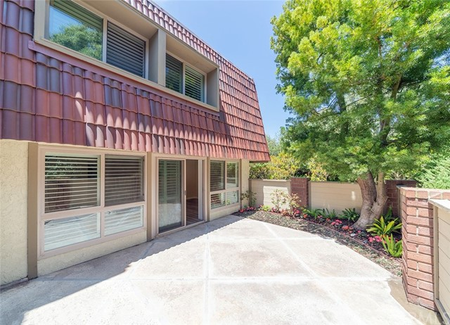 82 Cresta Verde Drive, Rolling Hills Estates CA: http://media.crmls.org/medias/4f391708-627a-455b-bdc1-0649ebba5850.jpg