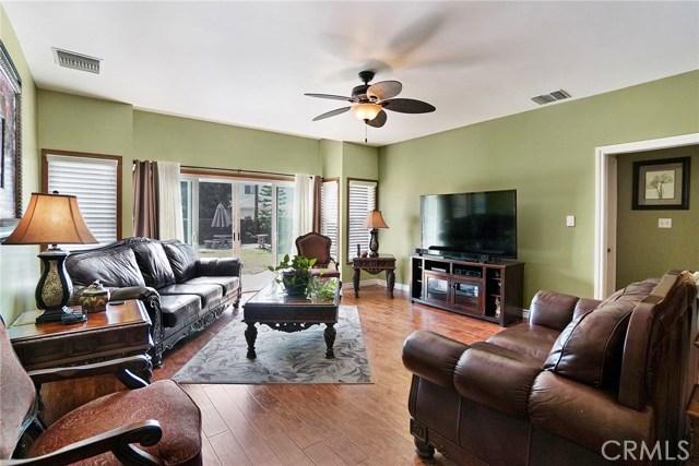 3716 Allred Street, Lakewood CA: http://media.crmls.org/medias/4f48c2e7-3ef9-466f-abd9-782998da1edd.jpg