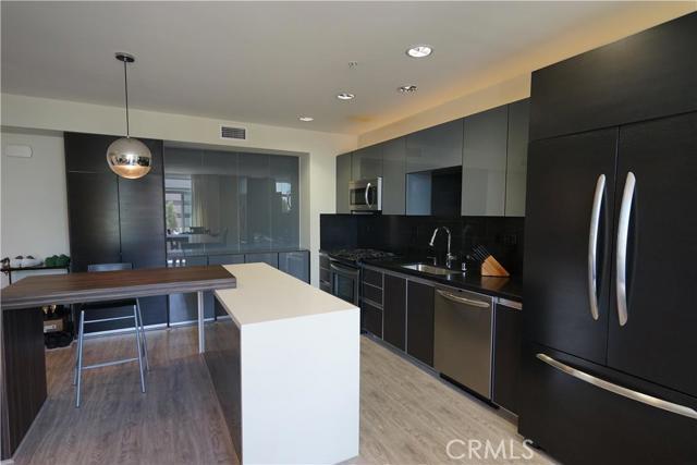 Condominium for Sale at 133 Los Robles Avenue S Pasadena, California 91101 United States