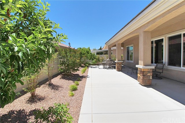 19441 Royal Oaks Road, Apple Valley CA: http://media.crmls.org/medias/4f5216d9-a2f5-4969-ba72-56b7c259ea60.jpg