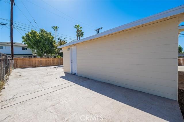 14637 Clark Street, Baldwin Park CA: http://media.crmls.org/medias/4f598724-174c-4a02-893f-141bef17b692.jpg