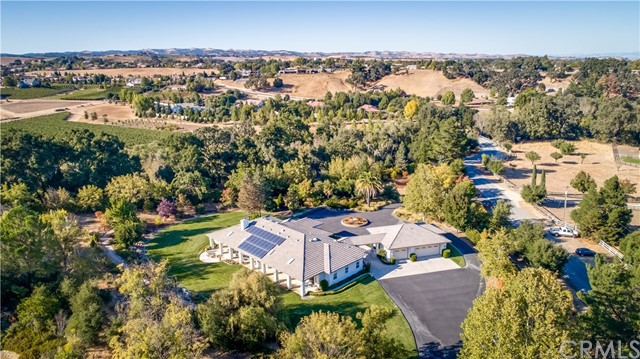 Property for sale at 1440 Ridge Road, Templeton,  CA 93465