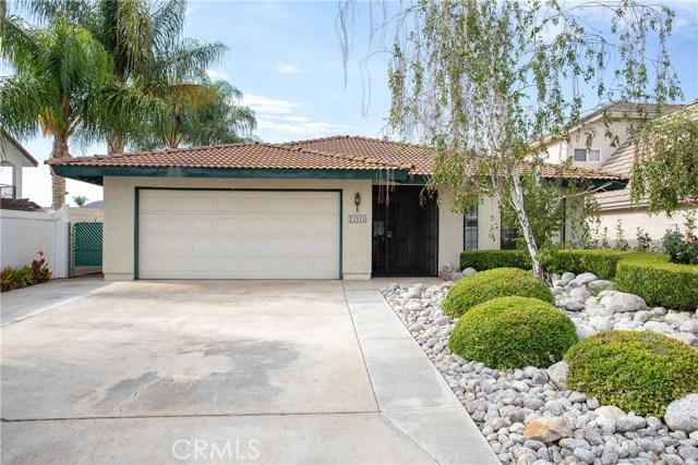 21815 Strawberry Lane, Canyon Lake CA: http://media.crmls.org/medias/4f5f6449-3557-41c2-a61a-1a5bdf3f9733.jpg