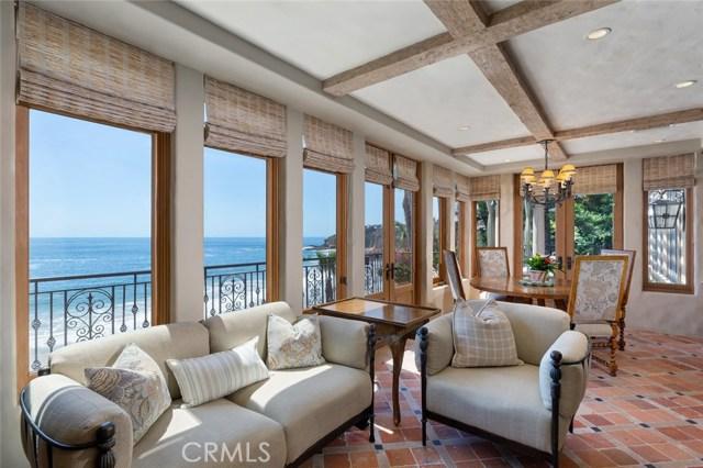 2431 Riviera Drive, Laguna Beach CA: http://media.crmls.org/medias/4f62ca0e-18f5-4659-8ddf-8ff23439c63e.jpg